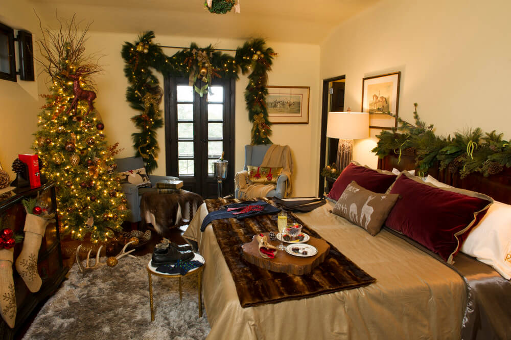 Pinewood Christmas 2014 Buck Suite