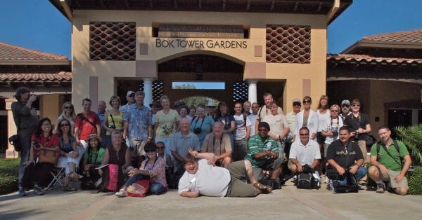Group visits the Gardens_web