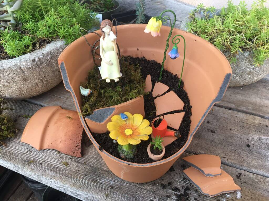 Make Your Own Of Creative Garden Arrangements And Fairy Gardens Out Of  Broken Pots, Proving That Even A Broken Pot Can Be Useful And Beautiful.